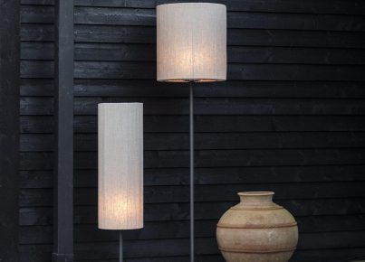 bords och stående utomhus lampor